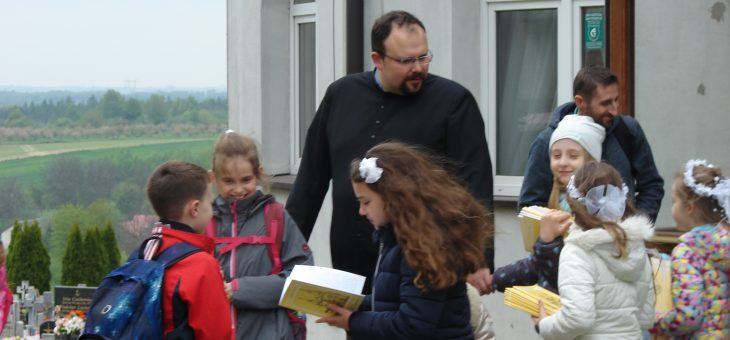 Pielgrzymka dzieci i rodziców do Sulisławic